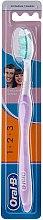 Parfémy, Parfumerie, kosmetika Kartáček na zuby, fialový - Oral-B 1 2 3 Delicat White 40 Medium