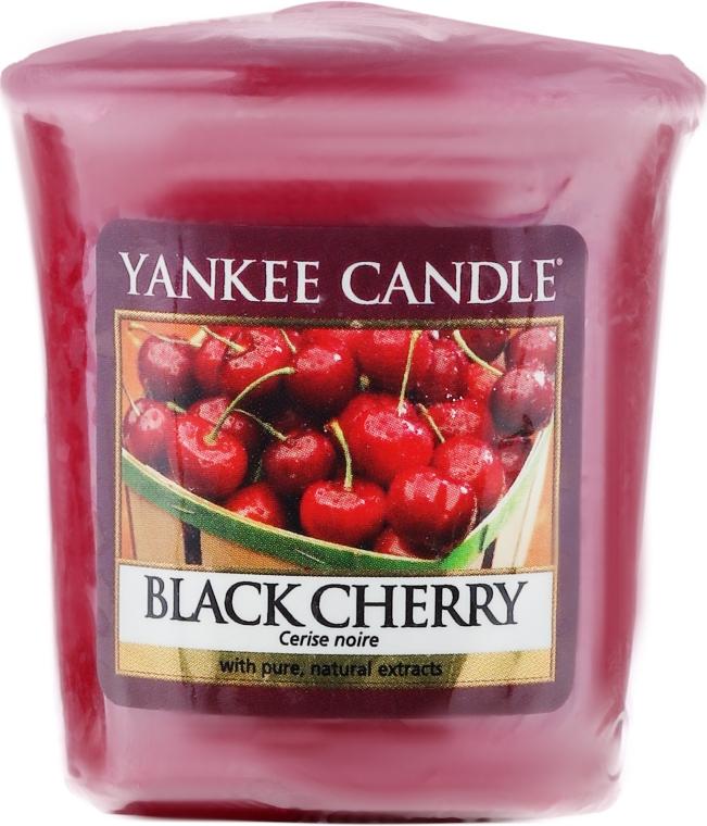 """Aromatická svíčka """"Černá třešeň"""" - Yankee Candle Scented Votive Black Cherry"""