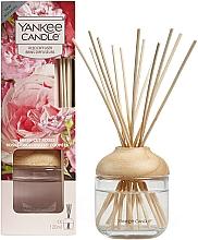 "Parfémy, Parfumerie, kosmetika Aromatický difuzér ""Čerstvé řezané růže"" - Yankee Candle Fresh Cut Roses"
