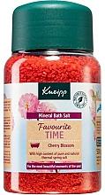 Parfémy, Parfumerie, kosmetika Koupelová sůl Favourite Time - Kneipp Favourite Time Cherry Blossom Bath Salt