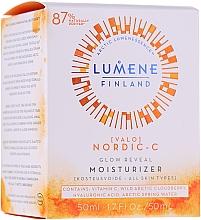 Parfémy, Parfumerie, kosmetika Hydratační denní krém na jiskření pleti - Lumene Valo Glow Reveal