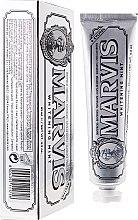 Parfémy, Parfumerie, kosmetika Bělicí zubní pasta s Xylitolem - Marvis Whitening Mint + Xylitol