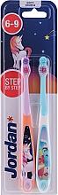 Parfémy, Parfumerie, kosmetika Dětský zubní kartáček, 6-9 let, jednorožec a delfín - Jordan Step By Step Soft