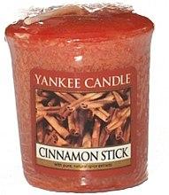 "Parfémy, Parfumerie, kosmetika Aromatická svíčka ""Tyčinka skořice"" - Yankee Candle Scented Votive Cinnamon Stick"