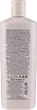 Šampon proti lupům Máta a čajovník - Avon Naturals Herbal Hair Care Shampoo — foto N2