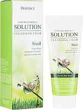 Parfémy, Parfumerie, kosmetika Čisticí pěna s hlemýždím mucinem - Deoproce Natural Perfect Solution Cleansing Foam Snail