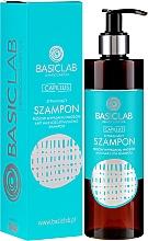 Parfémy, Parfumerie, kosmetika Šampon proti vypadávání vlasů - BasicLab Dermocosmetics Capillus Anti Hair Loss Stimulating Shampoo