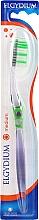 Parfémy, Parfumerie, kosmetika Zubní kartáček Inter-Active střední, zelený - Elgydium Inter-Active Medium Toothbrush