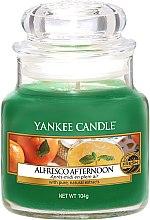 Parfémy, Parfumerie, kosmetika Vonná svíčka ve skle - Yankee Candle Alfresco Afternoon