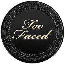 Parfémy, Parfumerie, kosmetika Kompaktní pudr na obličej - Too Faced Born This Way Powder