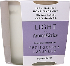Parfémy, Parfumerie, kosmetika Aromatická svíčka Petitgrain a levandule - AromaWorks Light Range Petitgrain & Lavender Candle