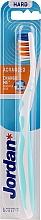 Parfémy, Parfumerie, kosmetika Zubní kartáček, tvrdý, bez ochranného krytu, bílo-světle modrá - Jordan Advanced Toothbrush