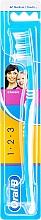 Parfémy, Parfumerie, kosmetika Zubní kartáček, 40 střední, modrý - Oral-B 1 2 3 Classic 40 Medium