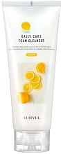 Parfémy, Parfumerie, kosmetika Čisticí pěna s extraktem s citronu - Eunyul Daily Care Lemon Foam Cleanser