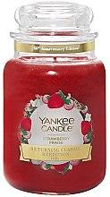 Parfémy, Parfumerie, kosmetika Vonná svíčka ve skle - Yankee Candle Strawberry Large Jar