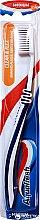 Parfémy, Parfumerie, kosmetika Zubní kartáček střední tvrdosti, modrý - Aquafresh Clean & Flex Medium