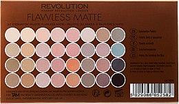 Paleta očních stínů, 32 odstínů - Makeup Revolution Ultra 32 Shade Palette Flawless Matte — foto N2